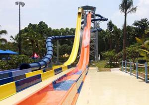 水上乐园与垂钓休闲区